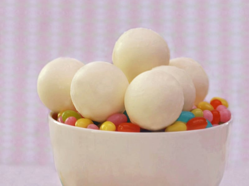 Easter recipe: White chocolate Jelly Belly surprise balls