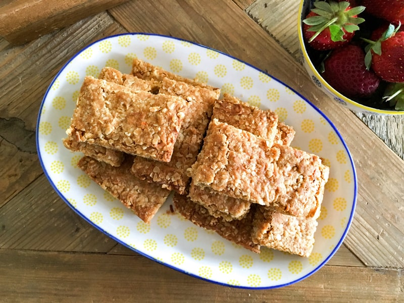 ANZAC slice (ANZAC biscuits made even easier)