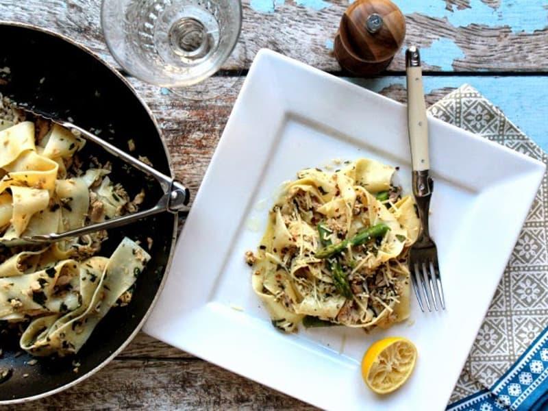 Chilli tuna tagliatelle with lemon and asparagus