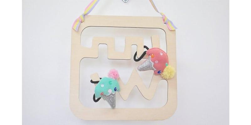 Hair elastics holder for tween girls