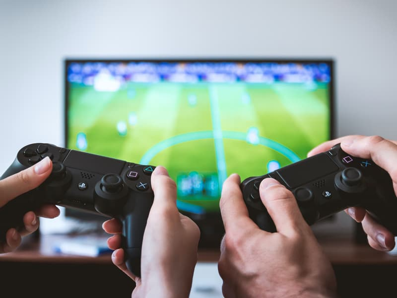 Positive benefits of gaming - collaboration and community