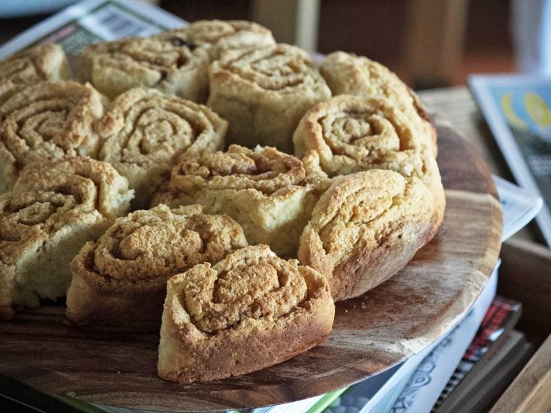 Wholemeal apple cinnamon buns recipe - three ingredient dough
