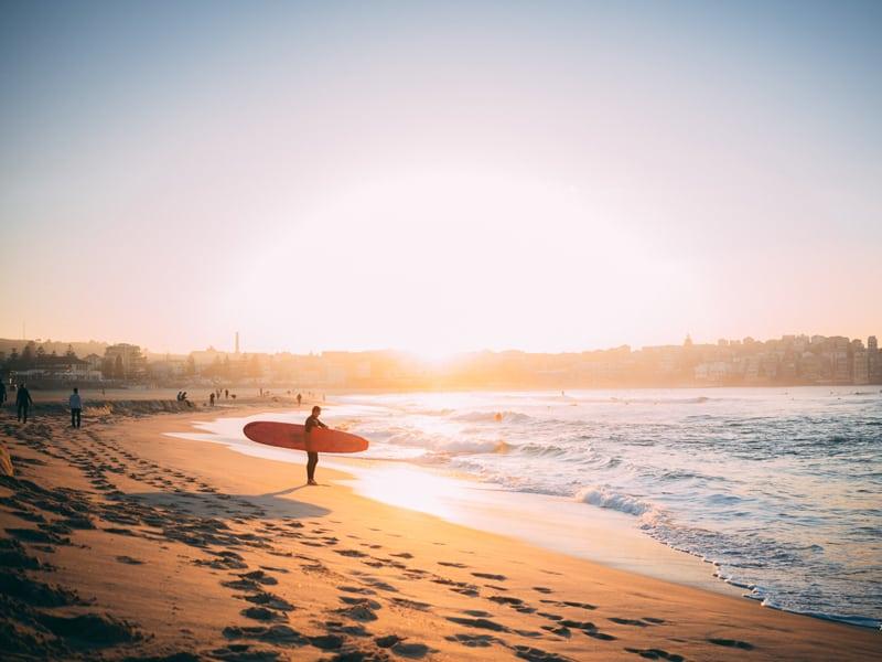 Surf during your Aussie gap year