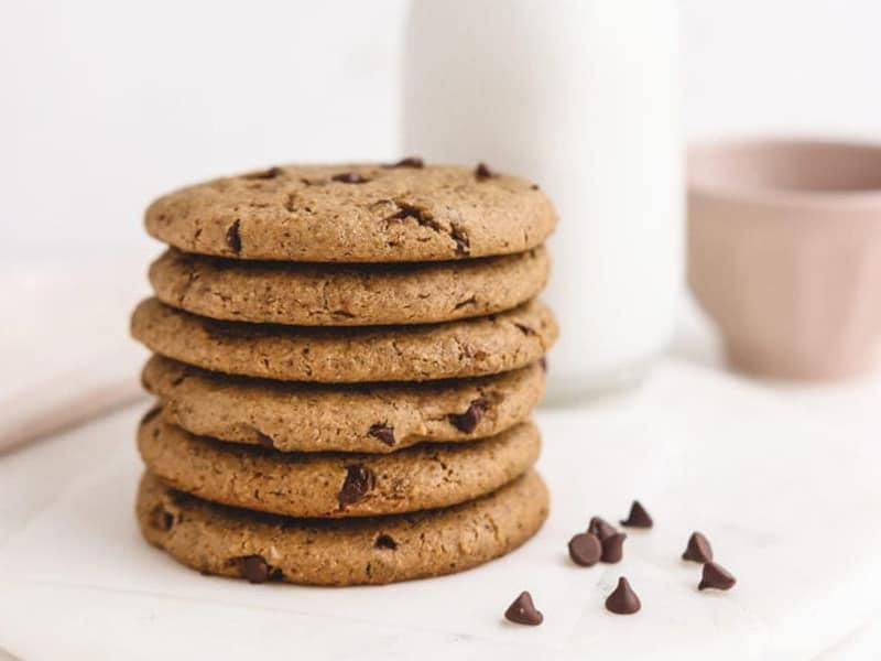 Healthy choc chip lunchbox biscuits by Veggiekins