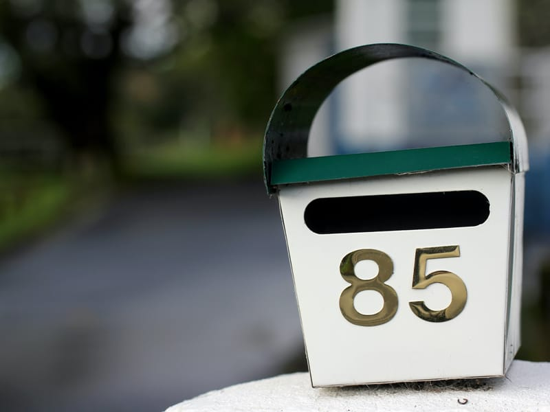 Letter box painting is a good way to make money outside the home