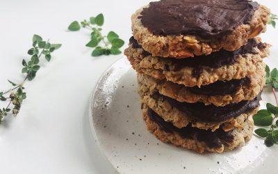 Healthy homemade chocolate digestives recipe