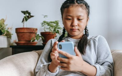 Tweens and social media: 'I wish I was wearing a filter right now'