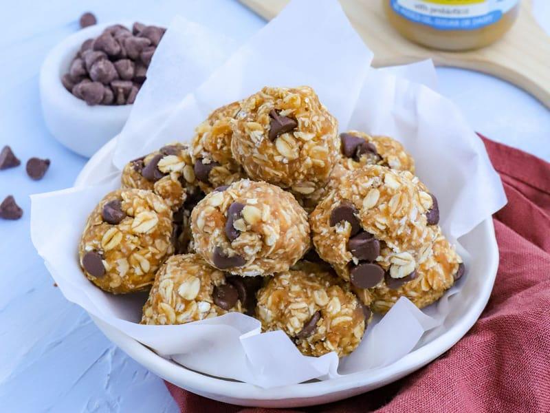 Oatmeal homemade protein balls recipe