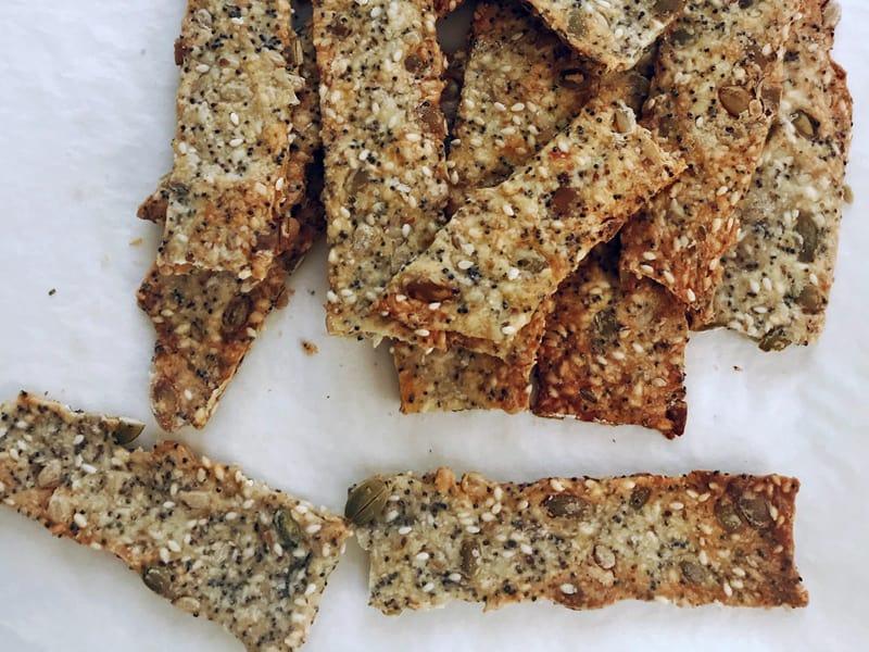 Easy homemade crackers recipe